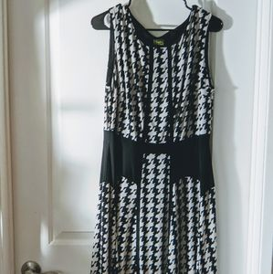 Taylor Dresses - Western-style Houndstooth Dress